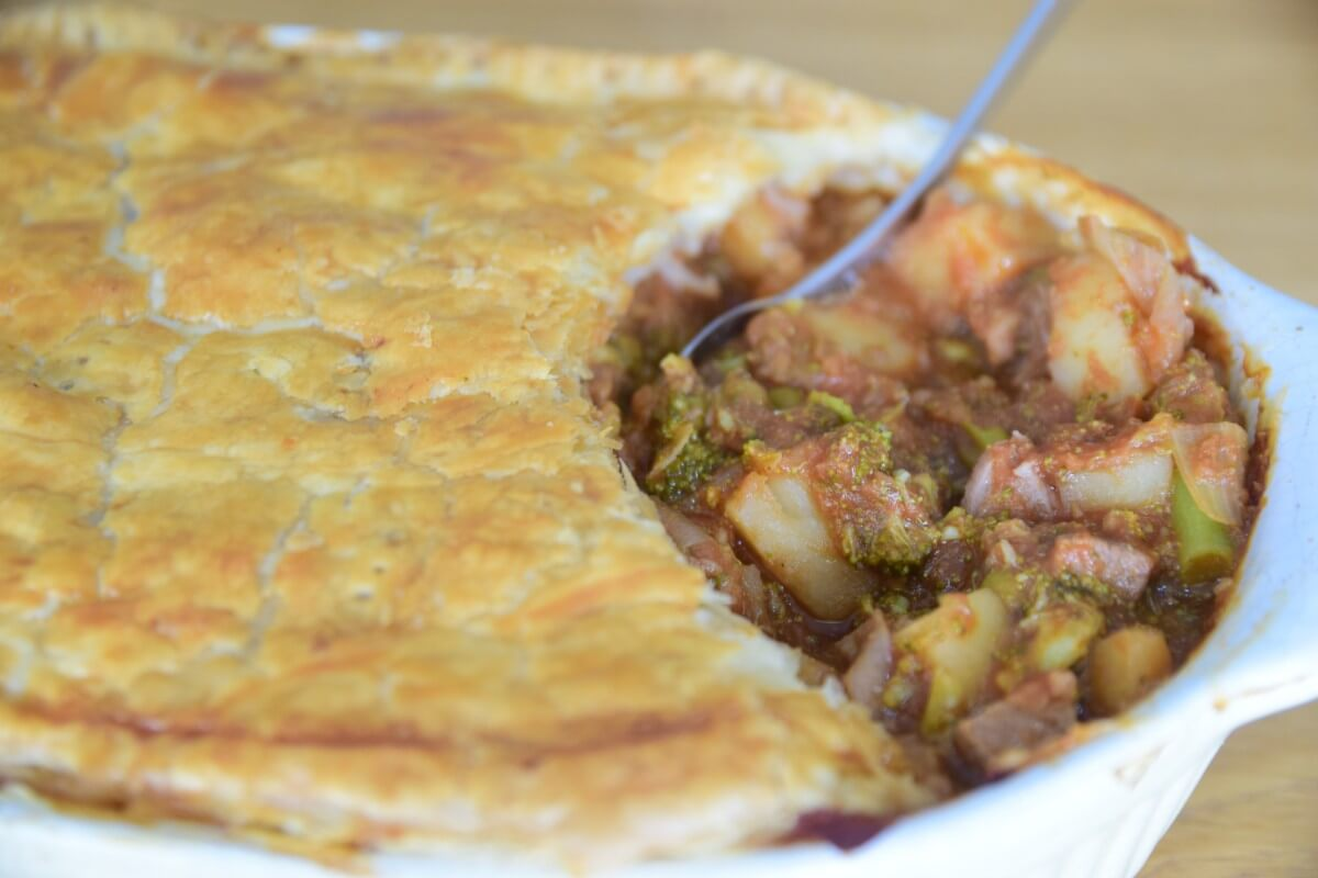 Slow Cooked Beef & Broccoli Casserole Pie