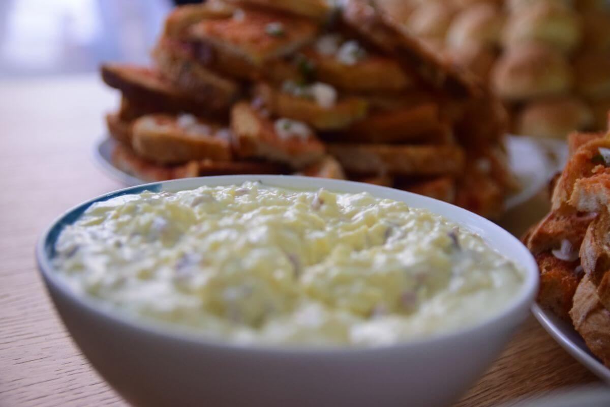 Crispy Bacon & Mature Cheddar Dip with Greek Yogurt