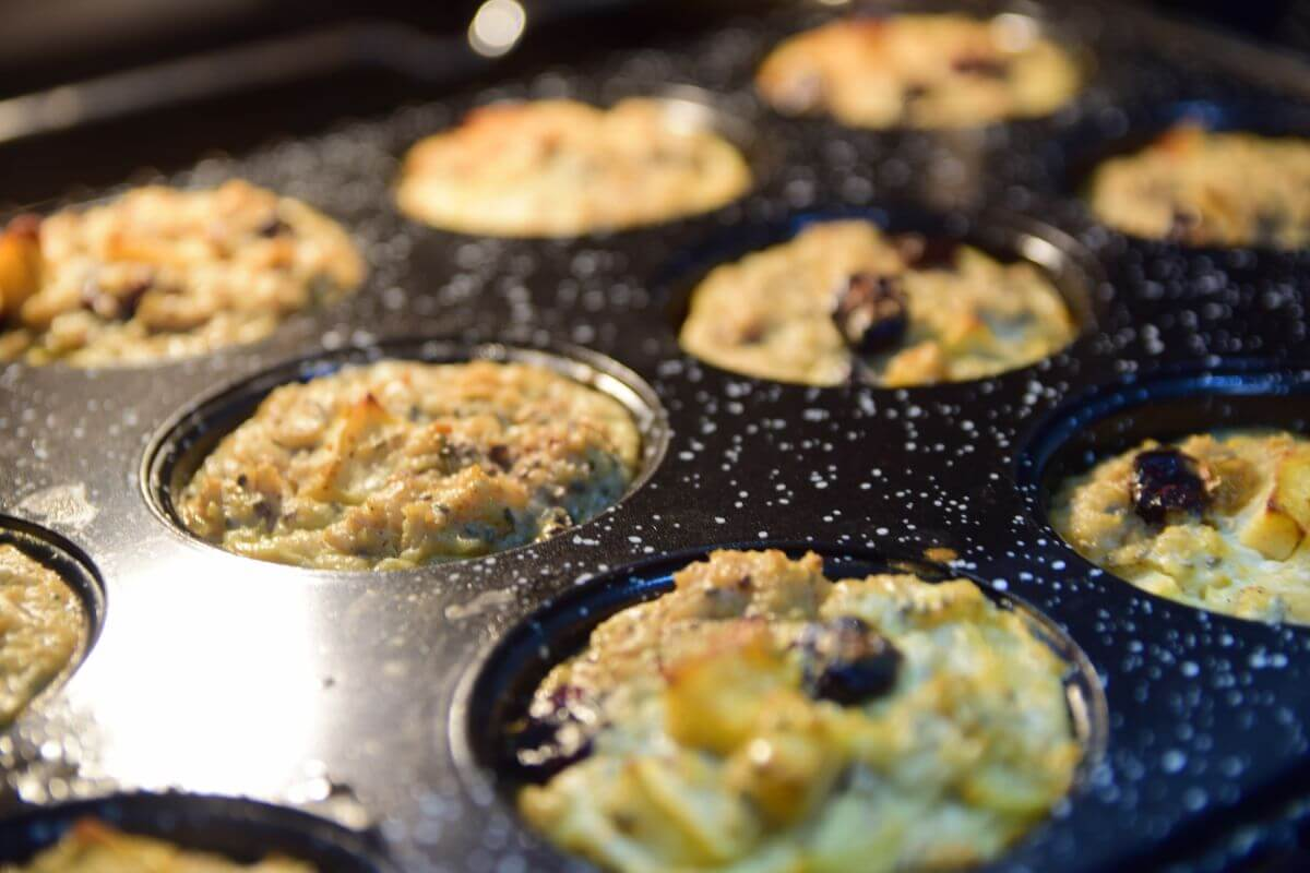 Apple Cinnamon & Oats Baby Muffins